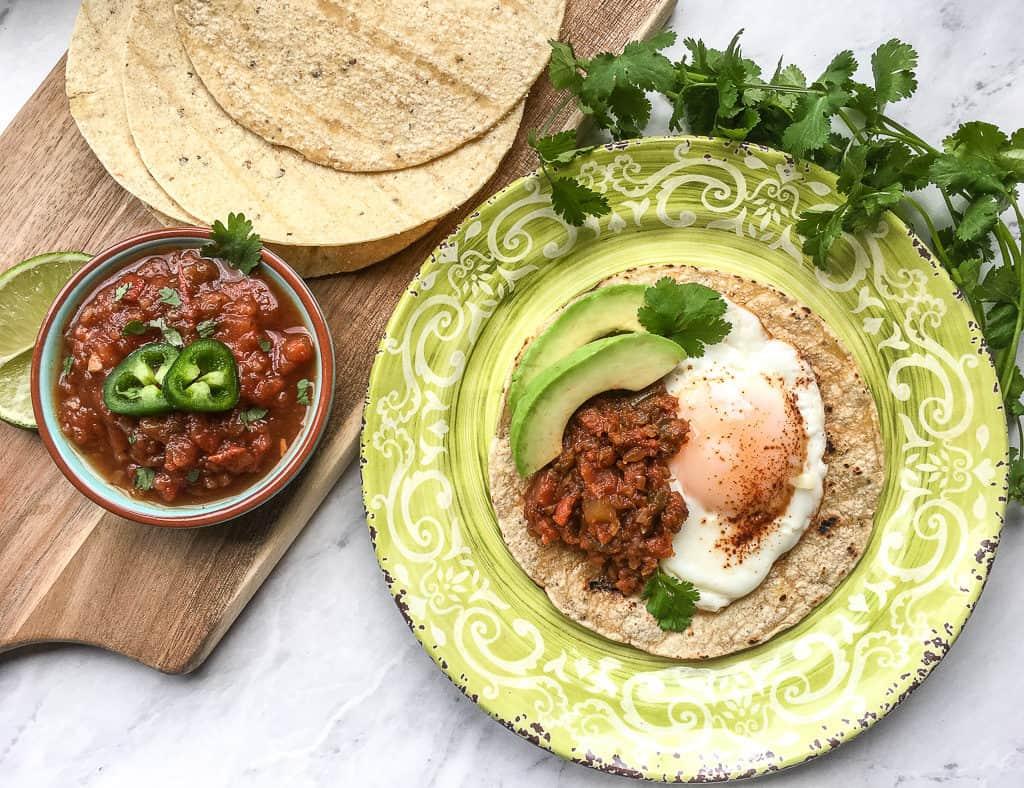 tortilla with egg and salasa